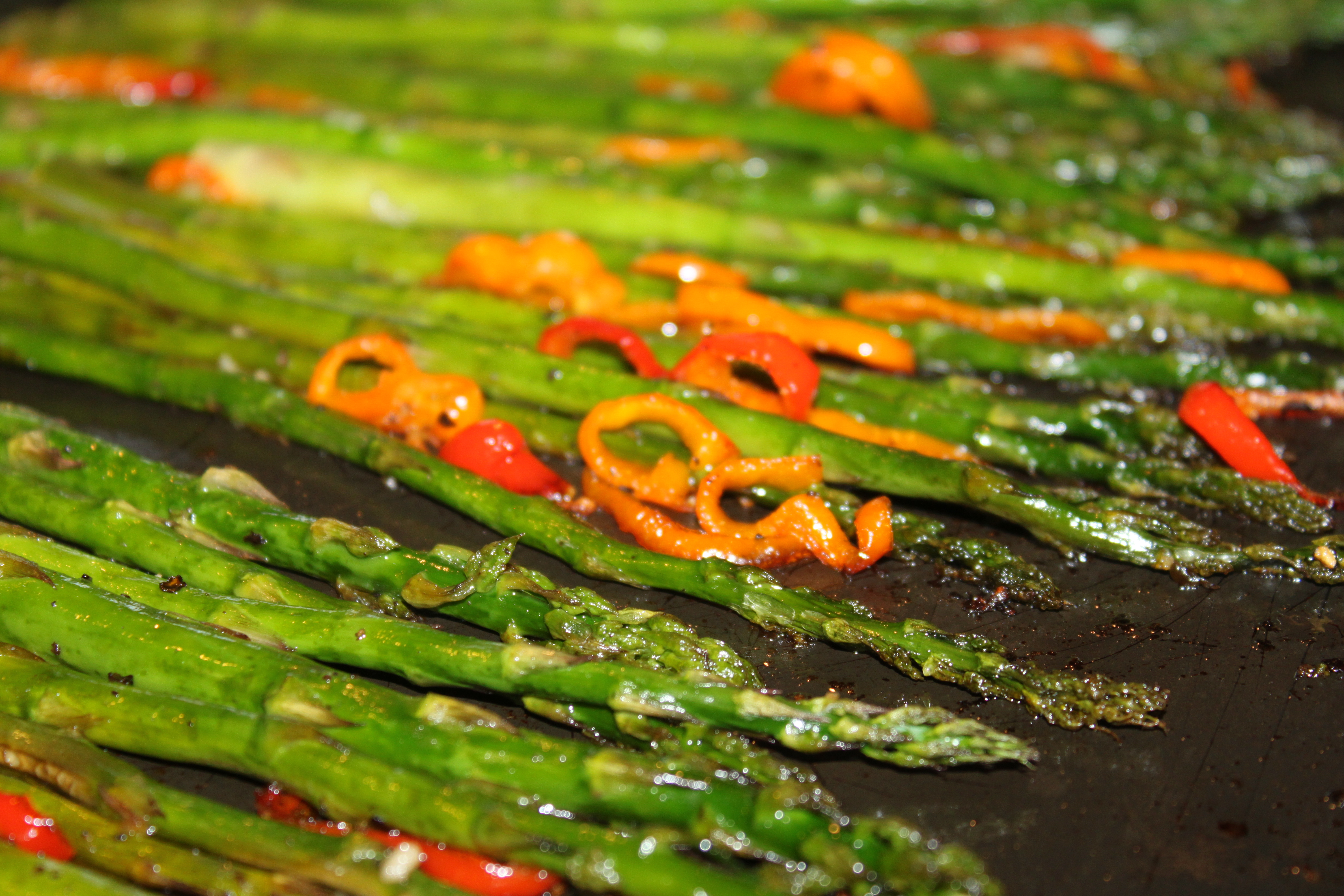 Roasted Asparagus In The Oven Is One Of The Easiest Ways To Prepare  Asparagus Just Coat Them With A Little Olive Oil, Sprinkle With Salt And  Pepper,
