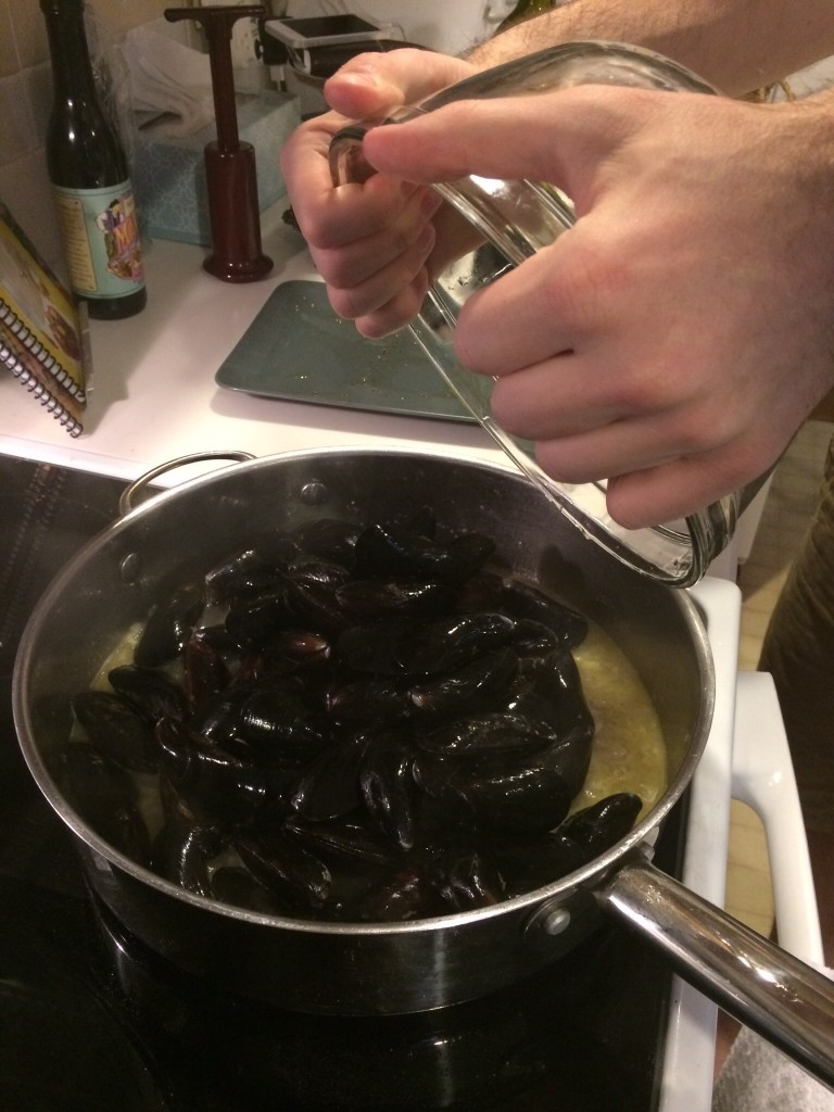 Add the mussels